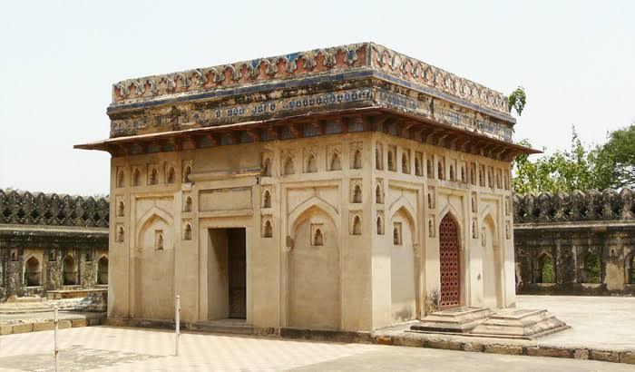 """Image result for Jamali Kamali Tomb in Delhi"""""""