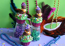 topsy turvy mardi gras cupcakes