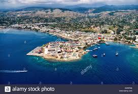 Vista aérea de la aldea de pescadores en Honiara, Islas Salomón ...