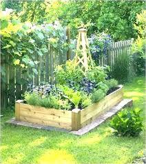 garden layouts for vegetables