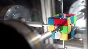 machine solves rubik s cube in only 0