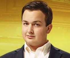 Noah Munck Biography - Facts, Childhood, Family Life of Actor ...