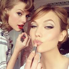 how to take your best makeup selfie