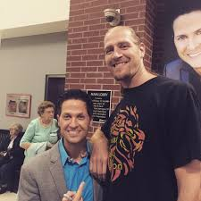 """Wes Hampton on Twitter: """"Folks, this is what 7 ft tall looks like next to  me. http://t.co/I2W7eJbxlF"""""""