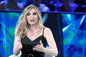 """Rai, stop al programma """"Grand Tour"""" di Lorella Cuccarini"""