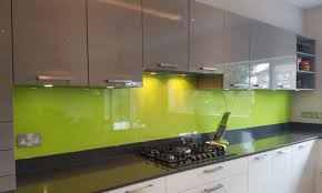 plain colour kitchen splashbacks
