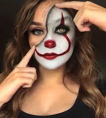 how to do female clown makeup