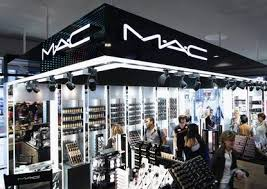 m a c makeup didn t stop manager