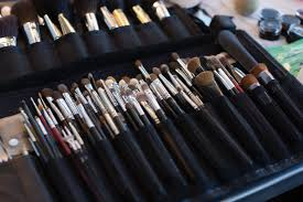 clean their makeup brushes
