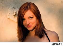 Abby Elliott dating 'Saturday Night Live' co-star Fred Armisen ...