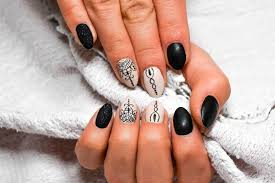 24 cute designs for oval nails to rock