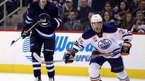 Les Oilers rappellent l'attaquant finlandais Iiro Pakarinen de ...