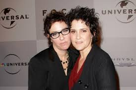 Wendy Melvoin Lisa Coleman Pictures, Photos & Images - Zimbio