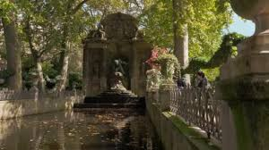 medici fountain in luxembourg gardens