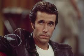Henry Winkler shows off original Fonzie jacket on The Tonight Show ...