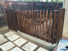 Cinder Block And Wood Fence For Dog Run Side Yard Dog Run Side Yard Cinder Block Garden Backyard Fences