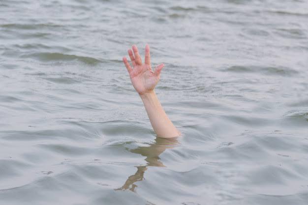 """「海で溺れる」の画像検索結果"""""""