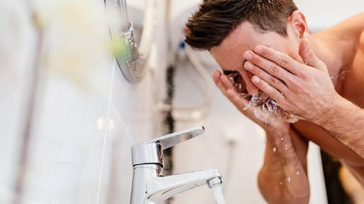 Cuci Muka Pria