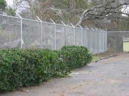 8 Ft 1 Ft Chain Link Fence 8 Ft Of Fabric With 1 Ft Of 3 Strand Barb Wire Chain Link Fence Fence Chain Link