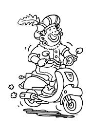 Zwarte Piet Op Een Scooter Sinterklaas Kleurplaten Kleurplaat Com