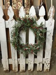 Vintage Picket Fence With Christmas Wreath Picket Fence Decor Picket Fence Crafts Christmas Wreaths