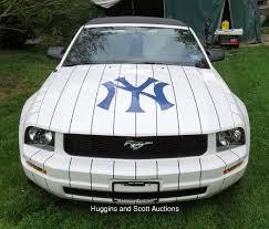 2005 Ford Mustang Base Convertible Mariano Rivera New York Yankees Limited Edition Car 42 60
