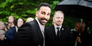 """Adil Rami charges Pamela Anderson's """"entourage"""": """"These are bacteria"""" -  Teller Report"""