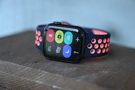 Review: Apple Watch SE is the ...
