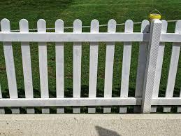 File White Picket Fence At Bishop S Stortford Cricket Club Hertfordshire Jpg Wikimedia Commons