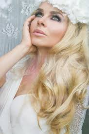 beautiful blond of hair a young woman