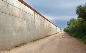 The Border Fence Vs Wall Debate Is A Trap For Democrats
