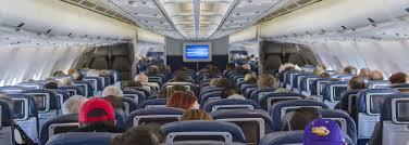 Pasažér si stěžoval, že nesedí u okna, tak mu ho letuška nakreslila |  REFRESHER.cz