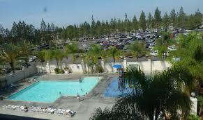 berry farm hotel pool view room 516
