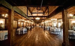 barn wedding venues near memphis