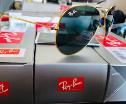 Brand New Still In The Original Box Comes With All Extras Like Booklets Case Cloth Tag And Sticker Ray Ban Sunglasses Sunglasses Ray Bans
