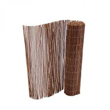 Natural Willow Outdoor Garden Fencing Screen Roll 1m X 4m 19 99 Oypla Stocking The Very Best In Toys Electrical Furniture Homeware Garden Gifts And Much More
