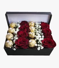صندوق ورد احمر وشوكولاتة أرسل في شرق القاهرة