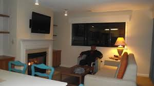 living room w flat screen above the