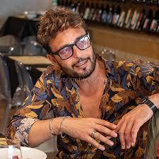 Gossip: beccato a pranzo in centro a Nuoro il tronista Armando ...
