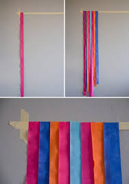 diy photo backdrop using streamers