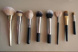 a pro guide to makeup brushes for the