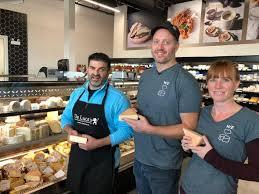 Béni par les moines, ce fromage prend d'assaut le marché | Radio-Canada.ca