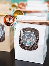 diy coffee favors with metallic scoops