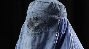 پوشیدن برقع (چادری) در افغانستان ممنوع اعلام شد