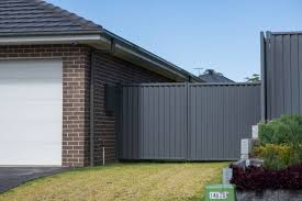 Colorbond Fencing In Brisbane Colorbond Fencing Installation In Sydney Fencing And Gate Centre