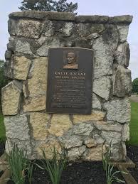 Notre Dame football coach Knute Rockne's South Bend grave draws fans