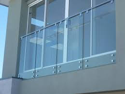modern balcony glass railing design