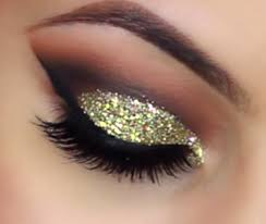 gold glitter cut crease smokey eye