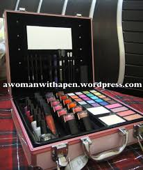 lakme makeup kit box in stan saubhaya