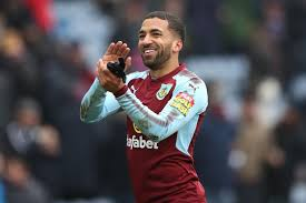 Burnley fans react to reports Aaron Lennon has rejected contract extension  - LancsLive